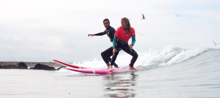 Aula de Surf em Grupo na Costa de Caparica | 2 Horas | 1 ou 2 Pessoas
