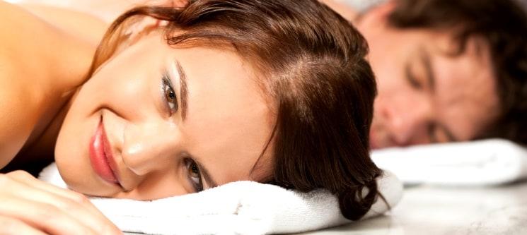 Massagem Relax a Dois & Brinde à Paixão à Escolha | 1 Hora | Queluz