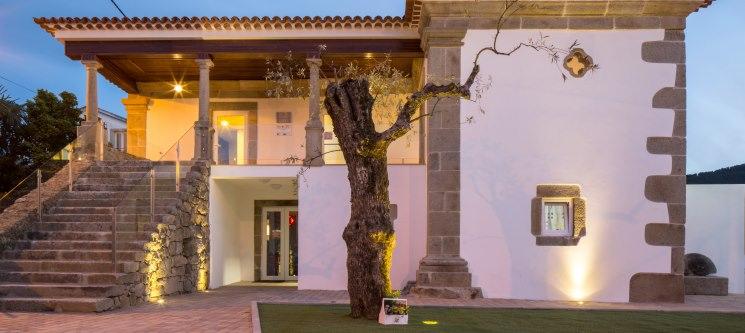 Cerca Design House - Fundão | 1 ou 2 Noites de Charme com Spa