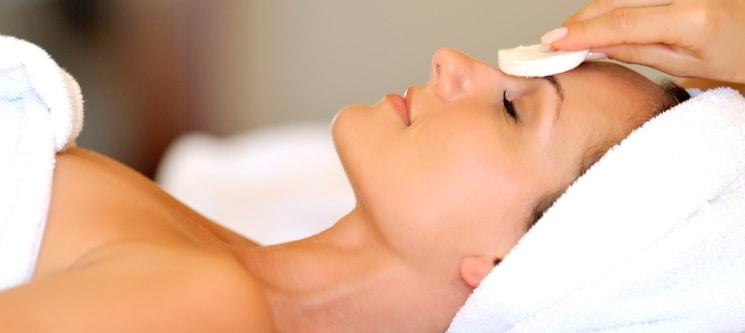 Spa Facial: Microdermoabrasão + Terapia do Oxigénio | 5 Clínicas Sorria