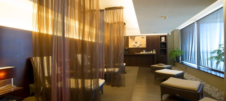 Especial Romance: Massagem Aromaterapia a Dois by Holmes Place Spa | 50 Min | 13 Locais