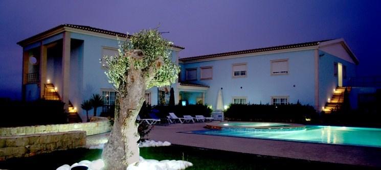 Hotel Neptuno - Peniche   Noite e 2 Entradas no Buddha Eden Garden
