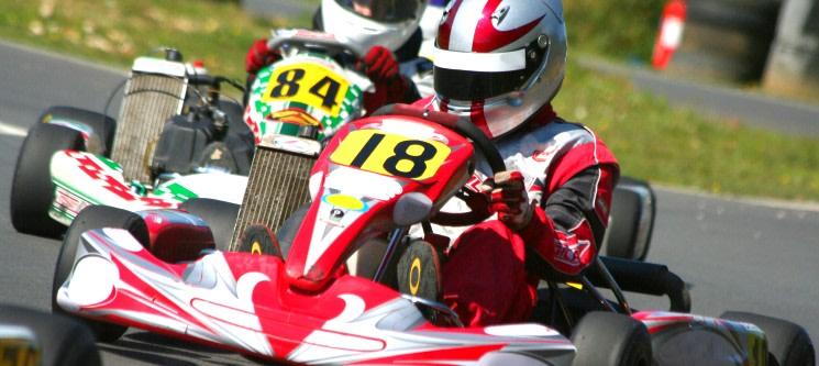 Acelere no Kartódromo de Évora! Kart de 200cc - 30 Min. | 1 ou 2 Pessoas