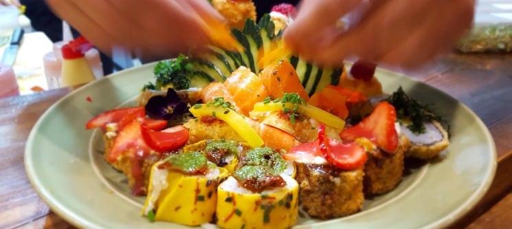 Sushi de Fusão no Saldanha | 30 Peças para Dois - KOI