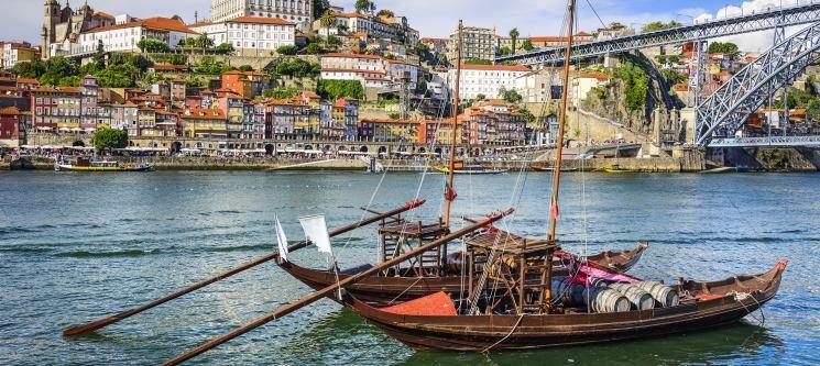 Cruzeiro das 6 Pontes do Douro em Típico Barco Rabelo para Dois | 50 Min.