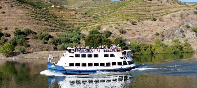 Passeio Barco-Comboio para Dois + Lanche | Régua-Pinhão-Régua | Manos do Douro