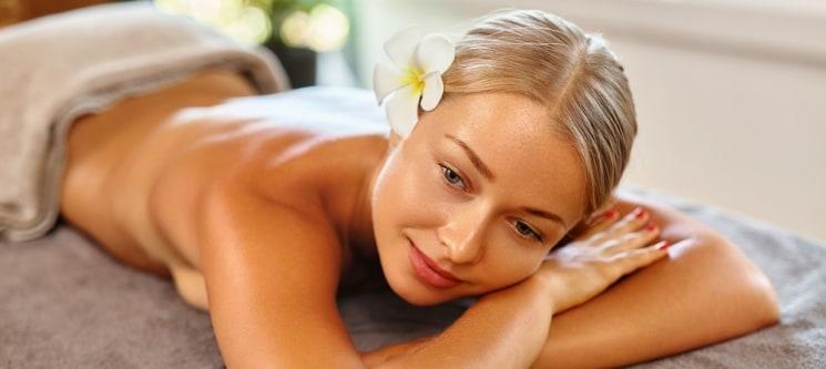 O Seu Miminho: Massagem Relax c/ Óleos Quentes, Champanhe e Chocolates | 1h | Matosinhos