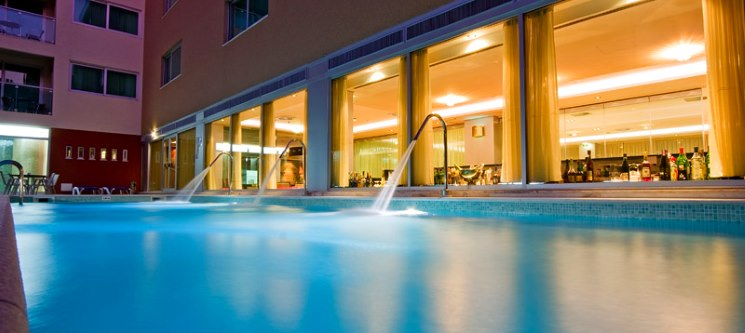 Monte Gordo Hotel Apartamentos & Spa 4* | 1 a 7 Noites Junto à Praia