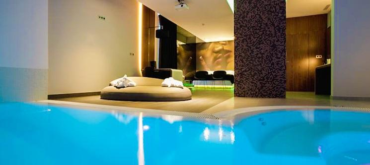 Mood Private Suites - Montijo | Estadia de Paixão em Suite com Hidromassagem