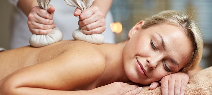 Sublime! Massagem Relaxante com Pindas Aromáticas | Vila Galé Cascais ou Estoril