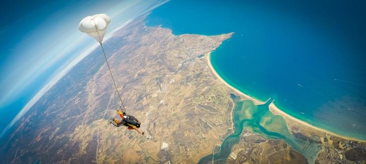 Salto Tandem Algarve a 3000m ou 4200m | Emoção junto ao Mar!