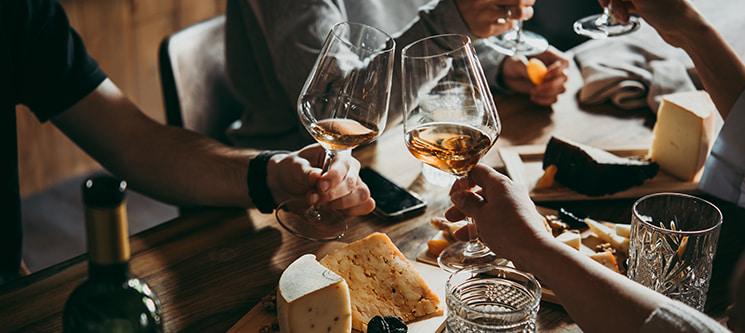Fantástica Prova de 5 Vinhos a Dois | ÉvoraTaste Tapas & Wine House