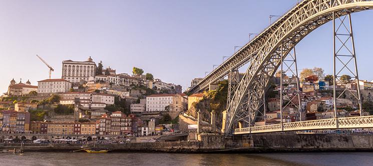 Porta 110 - Porto | Escapadinha de 1 ou 2 Noites no Centro da Invicta