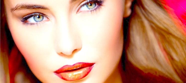 Maquilhagem Profissional para Dia ou Noite & Aconselhamento | 1 Hora | Braga