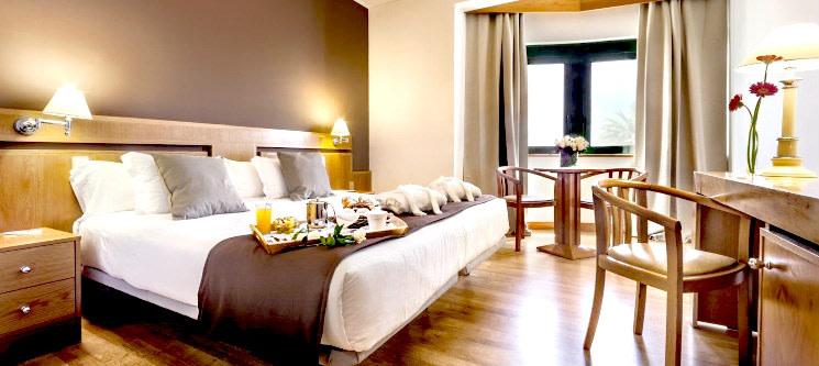 Tryp Montijo Parque Hotel 4* | Noite Inesquecível a Dois c/ Opção de Jantar ou Massagem