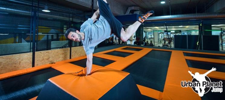 Saltar com Emoção a 2 na Urban Planet Jump | Parque de Trampolins em Setúbal