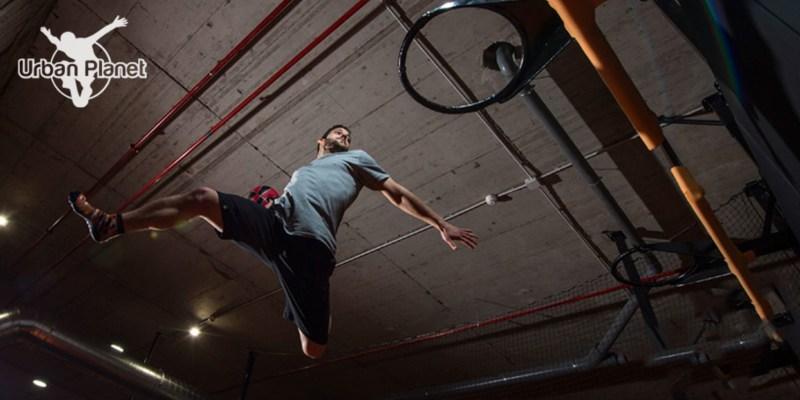 Saltar com Emoção a 2 na Urban Planet Jump   Parque de Trampolins em Setúbal