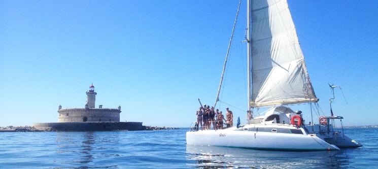 Passeio em Catamaran Exclusivo até 8 Pessoas por Lisboa ou Cascais | 2, 4, 6 ou 8 Horas