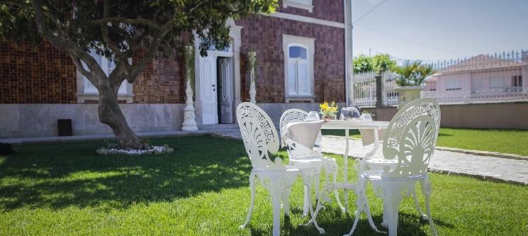 Villa Diogo - Oliveira de Azeméis | 1 ou 2 Noites em Palacete Histórico c/ Opção de Jantar