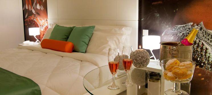 Vinyl M Hotel Design Inn - Aveiro | 1 ou 2 Noites com Banheira Hidromassagem