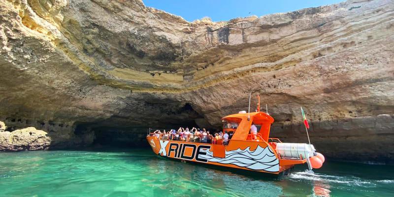 Passeio de Barco às Grutas de Benagil - 2h30   Criança ou Adulto   X Ride Algarve - Albufeira