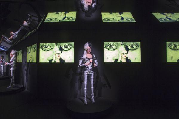 7 oeuvres d'art fascinantes à l'exposition Artistes et Robots