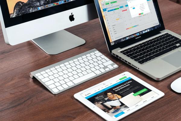 7 outils gratuits INDISPENSABLES pour télétravailler
