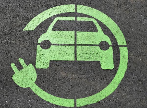 Voici 7 raisons de ne pas se précipiter sur la voiture électrique