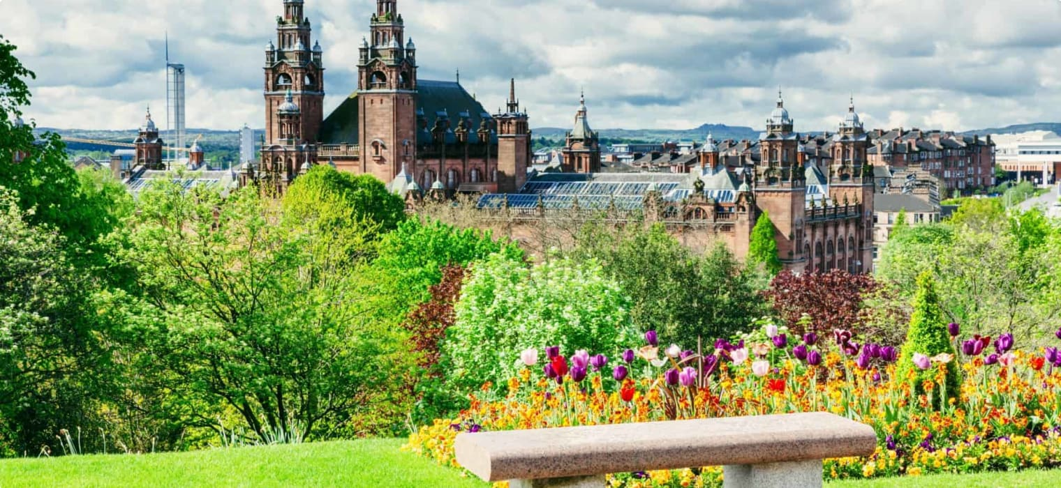 travellers exploring Glasgow