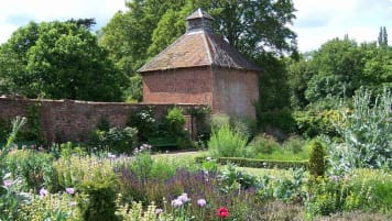 Small Group Tour of British Gardens