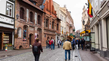 Shoppers in Old Town, Vilnius
