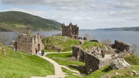 Scotland history - Urquhart Castle