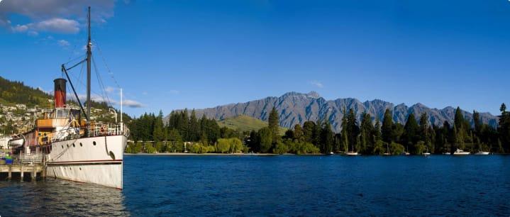TSS Earnslaw on Lake Wakatipu, Queenstown, Otago, New Zealand