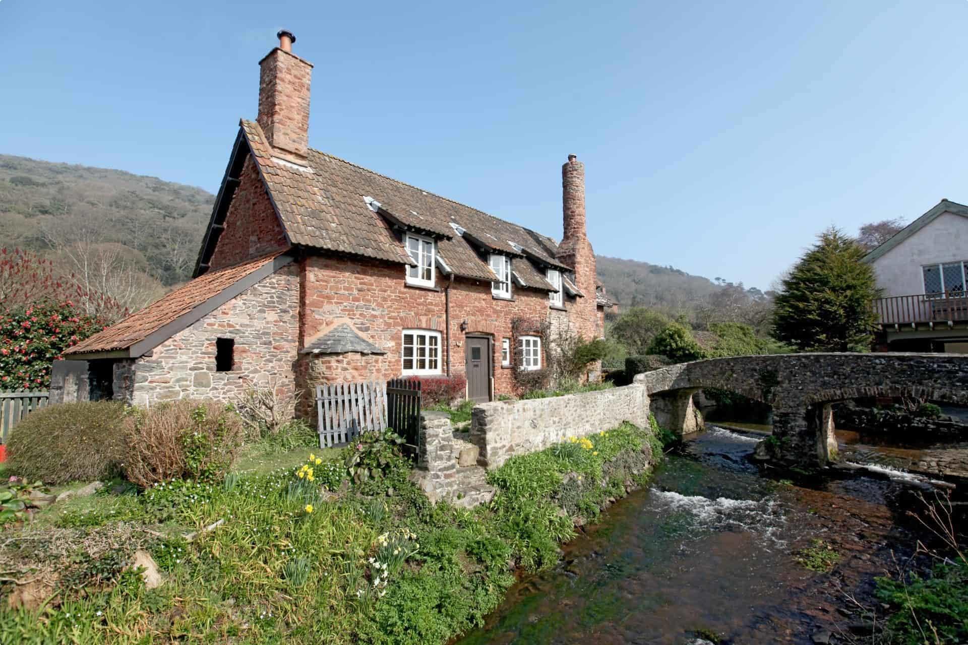 England tour village
