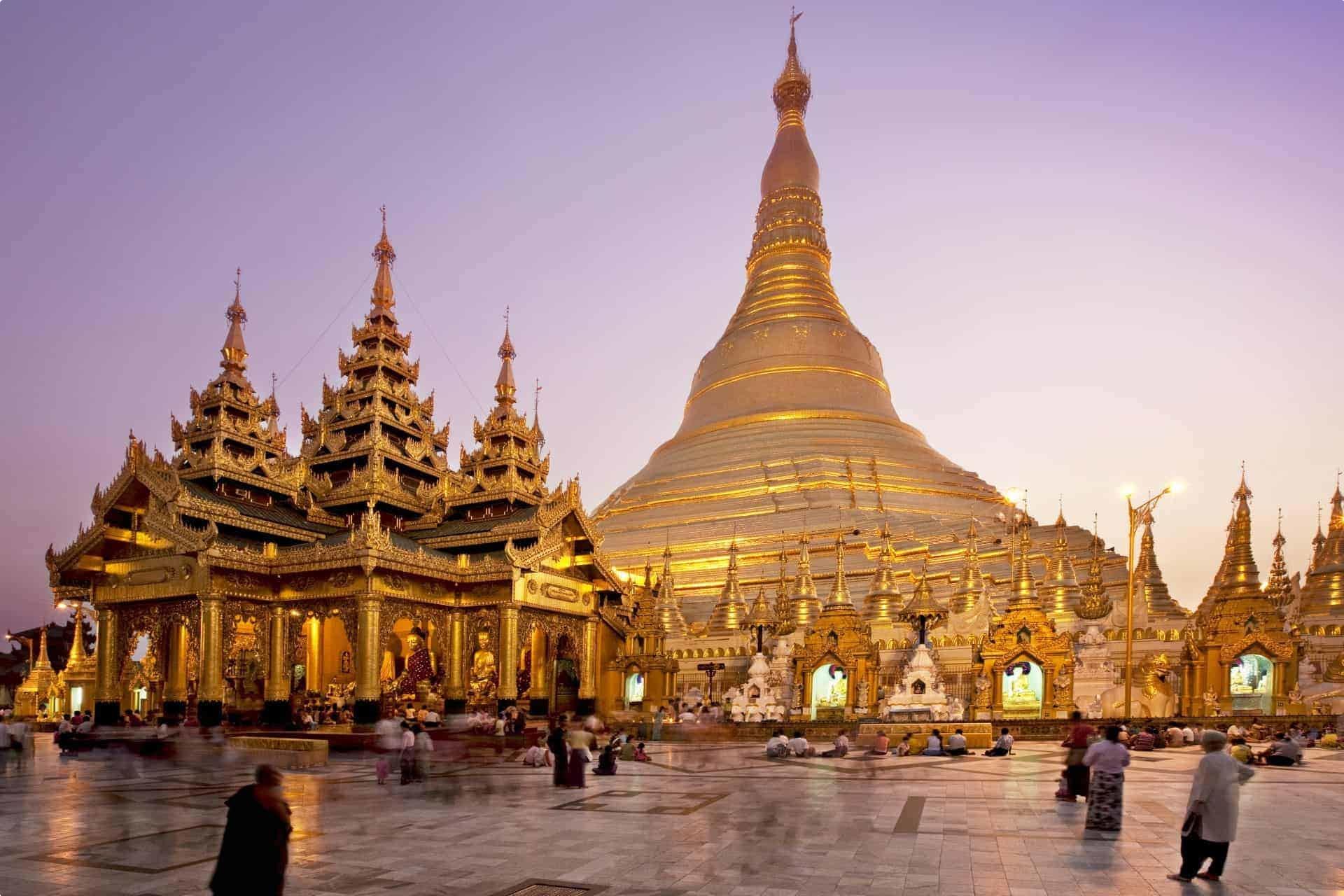shwedagon paya (pagoda)