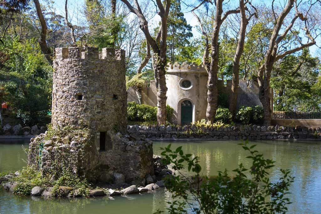 The Ducks' Residence in Pena Park