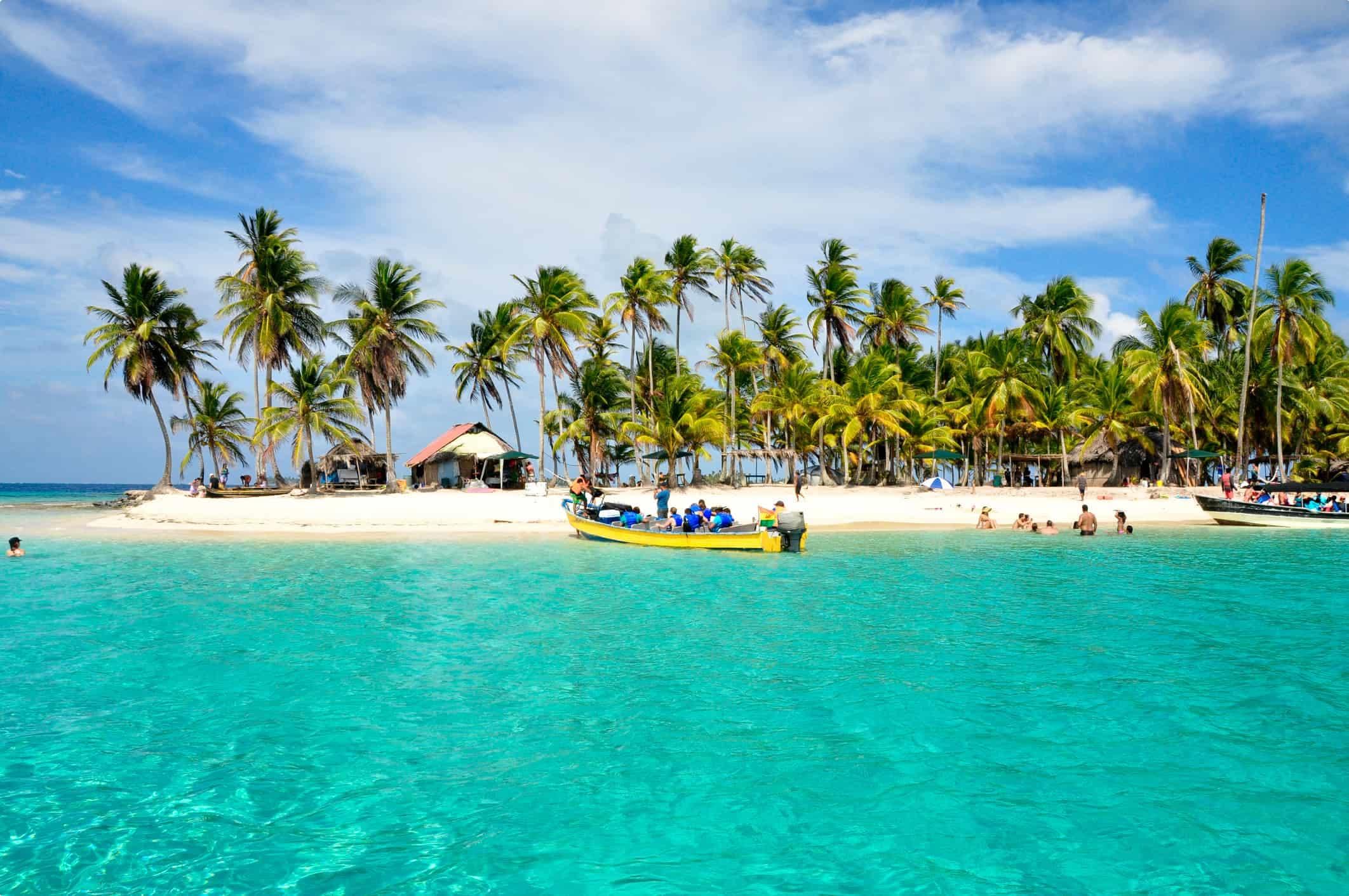 The clear waters of San Blas, Panama