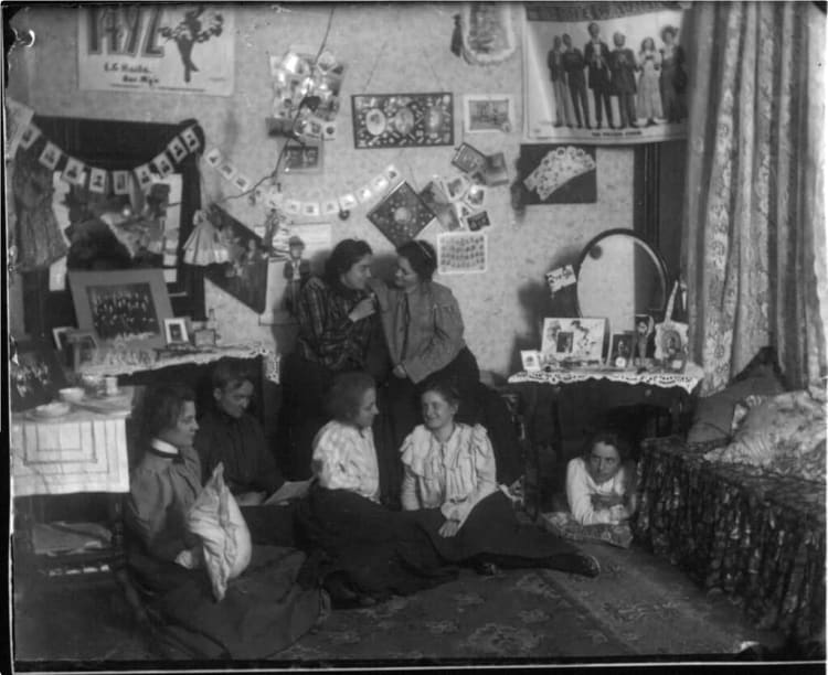 Female students in their dormitory, around 1900