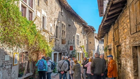 Small group educational tour in France