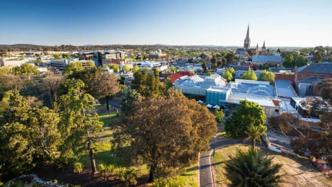 Small group tour of Victoria for Senior travellers