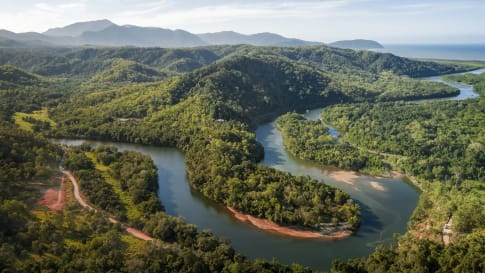 Exploring the Hawkesbury-Nepean River small group tour