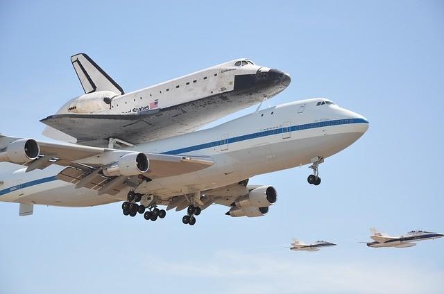 california science museum space shuttle endeavor los angeles near topanga