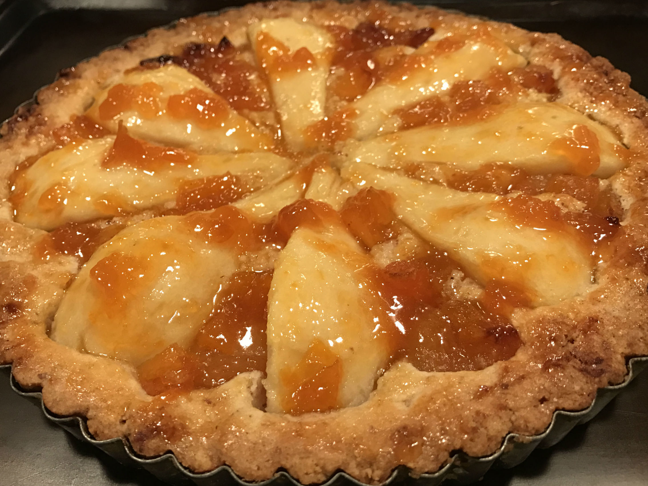 pear and apricoy tart