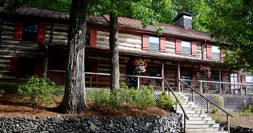 Sugar Tree Inn Lodge in Vesuvius, Virginia
