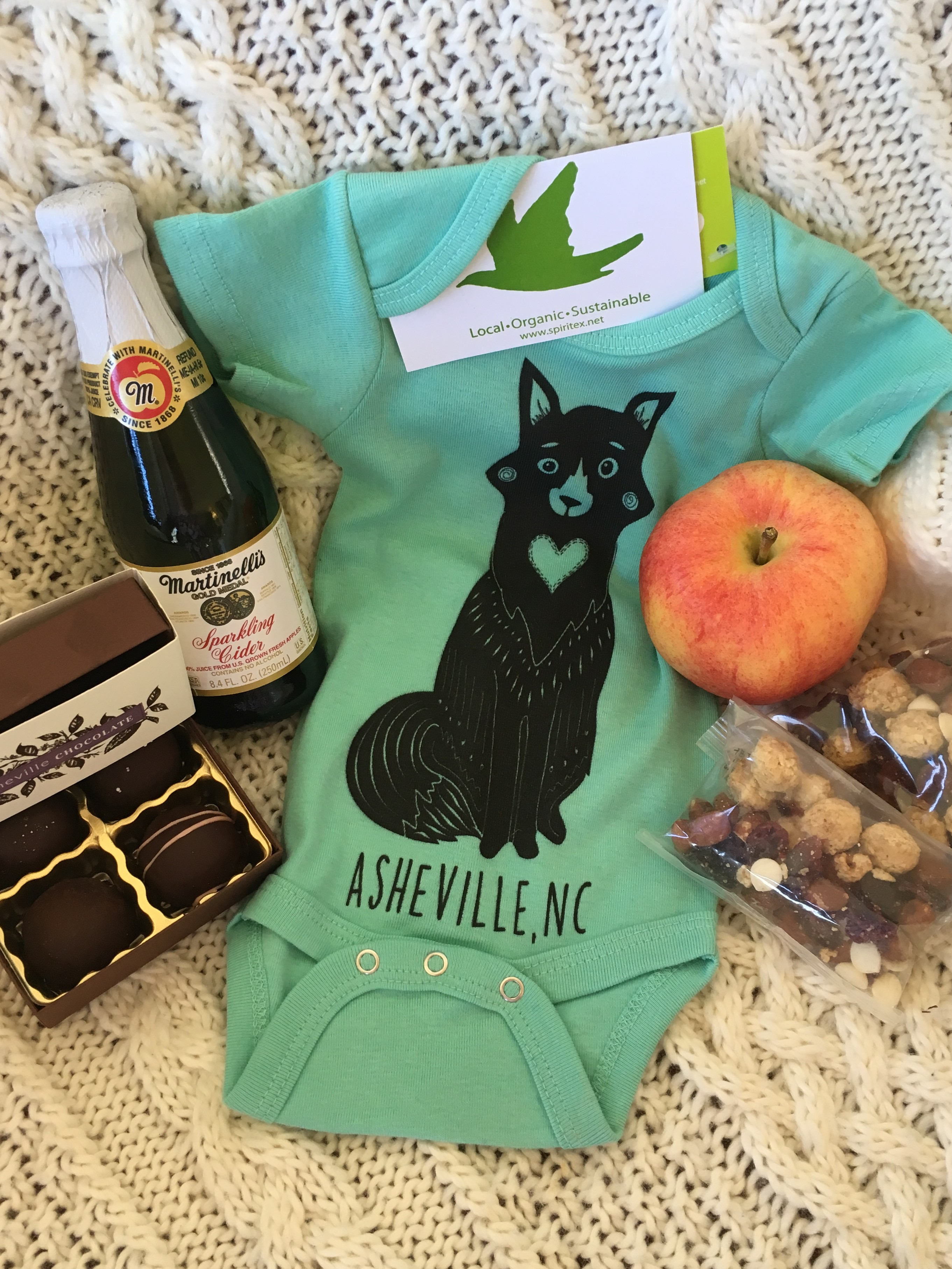 Onies with cider for babymoon package