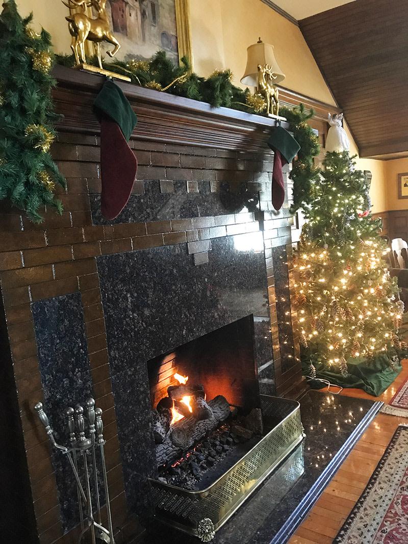 Christmas at the Albemarle Inn