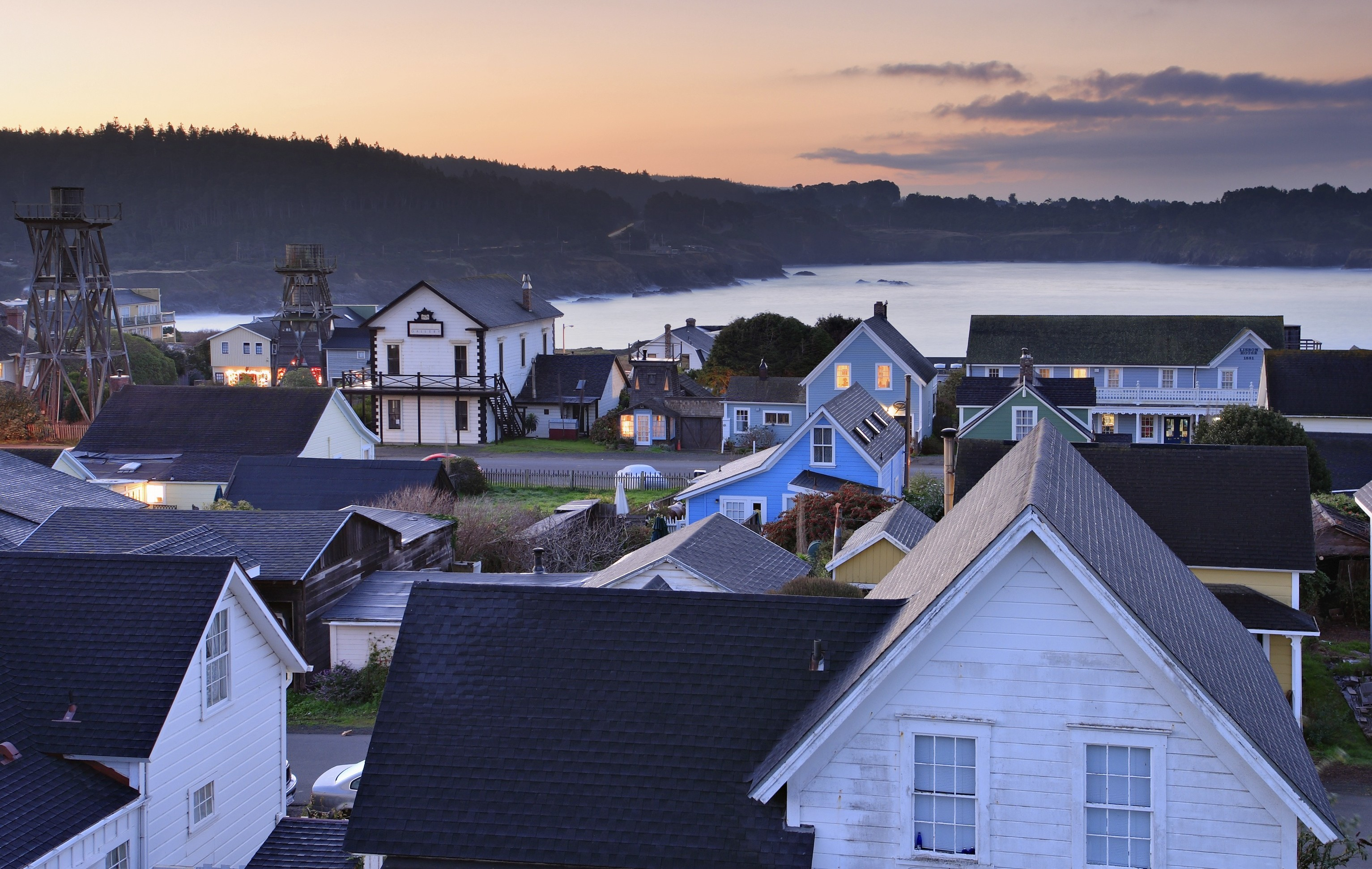 10 Fun Facts About Mendocino You Probably Didn't Know, Albion River Inn