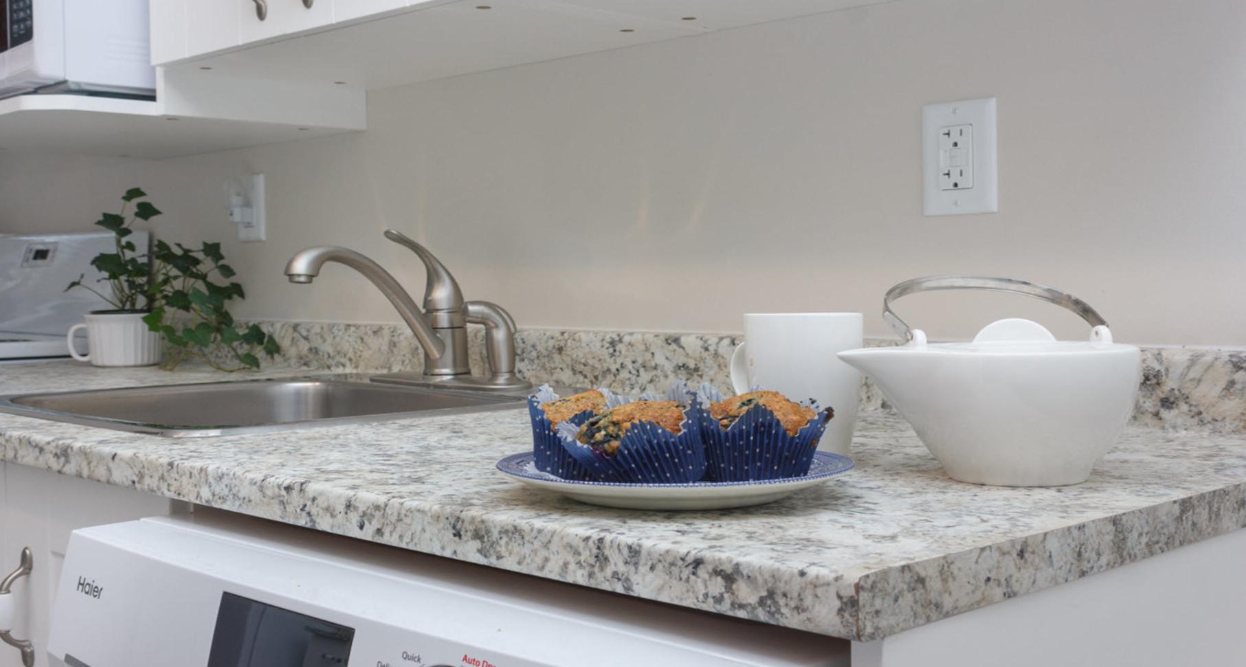 Kitchen in Coles Bay suite