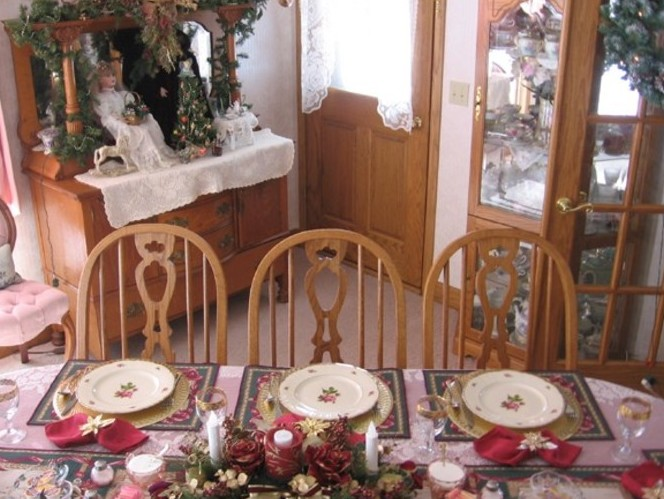 Dining Room Christmas Table