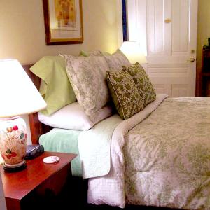 King size pillow-top mattress set
